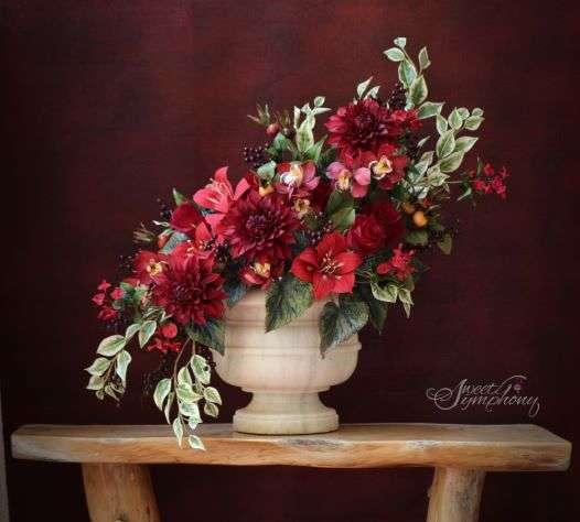Arati-Mirji-Sugar-Flower-Bouquet