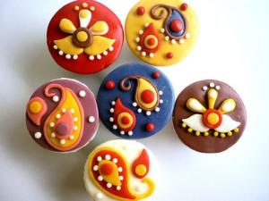 Cupcakes-Diwali-Indian-Motif