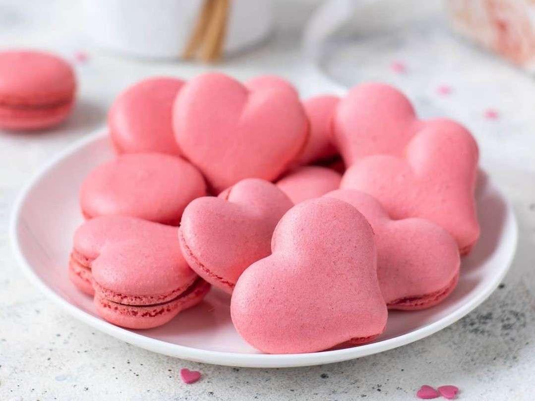 Valentine's-Day-Macarons